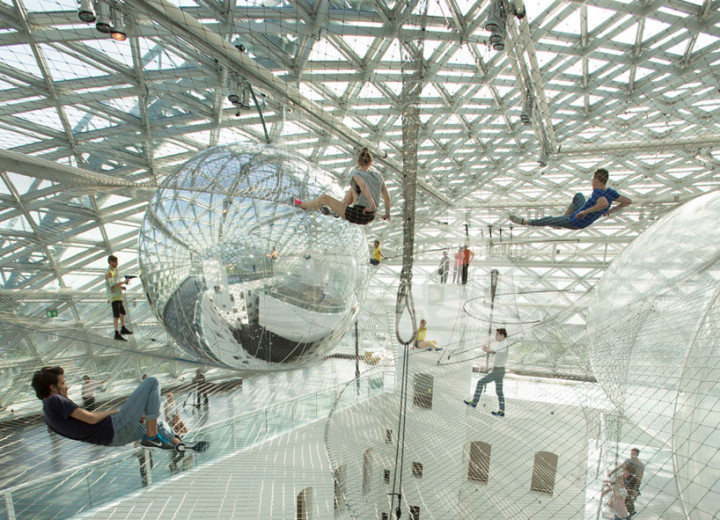 tomas-saraceno-in-orbit-designboom-01